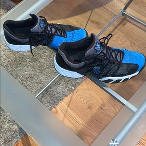 K-Swiss Tennis Shoes. 🎾